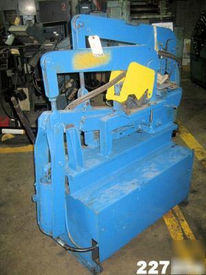 Scotchman Ironworker for Sale http://www.repair--parts.com/Hand-Tools-/Pliers-/Scotchman-dvorak-hydraulic-ironworker-3IN-x-3IN-x-1-4IN.php5