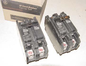 new 2pc ge thqc circuit breaker in box. Black Bedroom Furniture Sets. Home Design Ideas