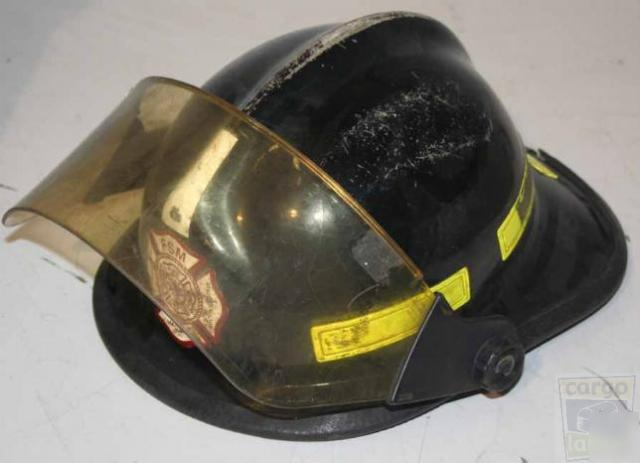 Chieftain model 911 structural fire fighting helmet wow